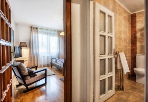 Apartmani Beograd | Apartmani u centru Beograda | Apartman A7 - Pogled na dnevnu sobu i kupatilo