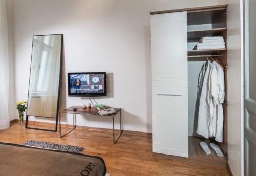 Apartmani Beograd | Pešačka zona | Apartman A12 - Ormar u spavaćoj sobi
