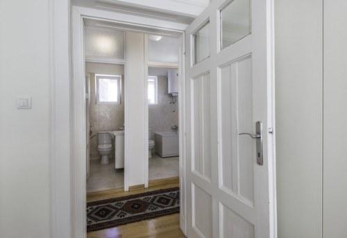 Apartmani Beograd | Stan na dan Beograd | Apartman A35 - Pogled na toalet i kupatilo