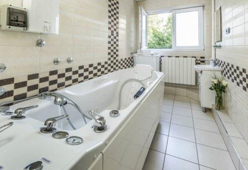 Apartmani Beograd | Luksuzni apartmani Beograd | Apartman A14 - Kupatilo sa đakuzi kadom