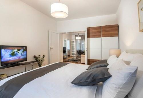 Apartmani Beograd | Stan na dan u Beogradu | Apartman A27 - Spavaća soba sa pogledom na dnevni boravak