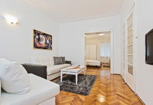 Apartmani Beograd | Strogi centar | Apartman A21 - Dnevni boravak sa pogledom na spavaću sobu