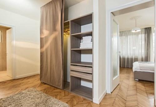 Apartmani Beograd | Smeštaj u Beogradu | Apartman A8 - Ormar u hodniku
