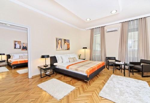 Apartmani Beograd | Apartman A20 | Strogi centar Knez Mihailova - Prva spavaća soba i pogled na drugu spavaću sobu