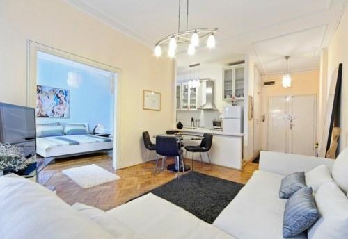 Apartmani Beograd | Apartman A9 | Strogi centar Kalemegdan - Dnevni boravak, trpezarija, kuhinja i pogled na spavaću sobu