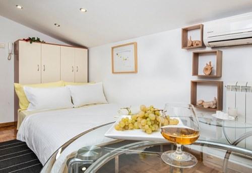 Apartmani Beograd | Povoljan smeštaj Beograd | Apartman A1' - Rasklopljen krevet u dnevnom boravku