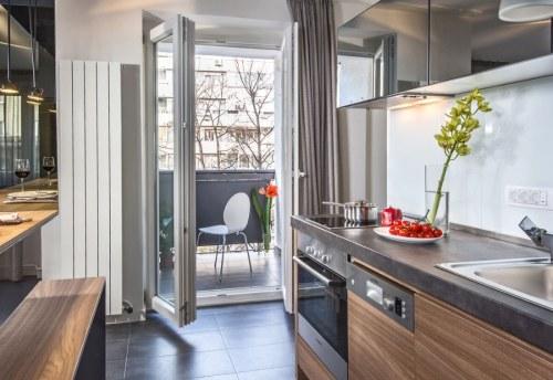 Apartmani Beograd | Luksuzni smeštaj Beograd | Apartman A10 - Pogled na terasu iz kuhinje