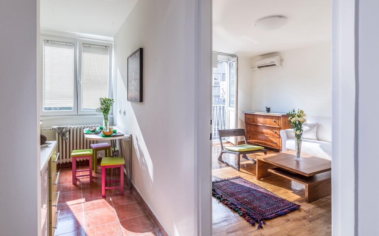 Apartmani Beograd | Apartman A23 | Skadarlija - Pogled na kuhinju i dnevni boravak