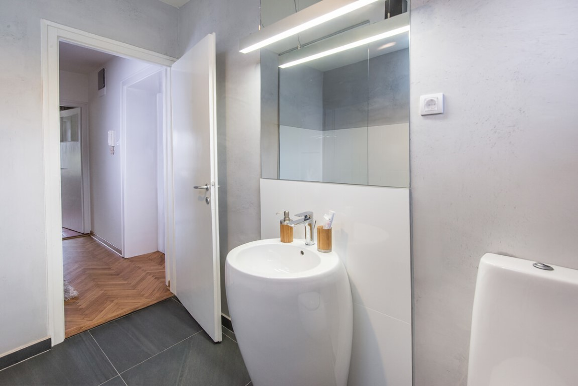 Apartmani Beograd | Sa terasom | Apartman A30 - Ulaz u kupatilo