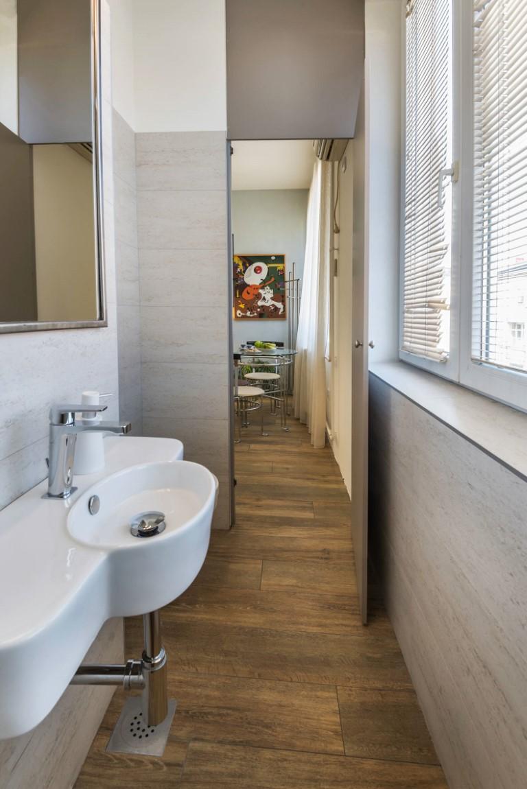 Apartmani Beograd | Jeftin smeštaj Beograd | Apartman A2 - Ulaz u kupatilo