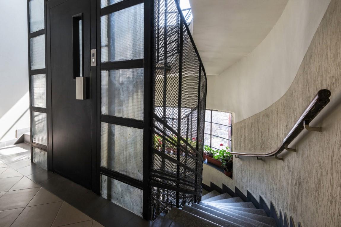 Apartmani Beograd | Jeftin smeštaj Beograd | Apartman A2 - Stepenište unutar zgrade