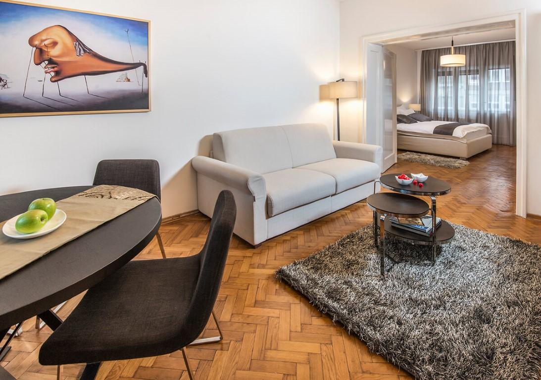 Apartmani Beograd | Stan na dan u Beogradu | Apartman A27 - Dnevni boravak sa pogledom na spavaću sobu