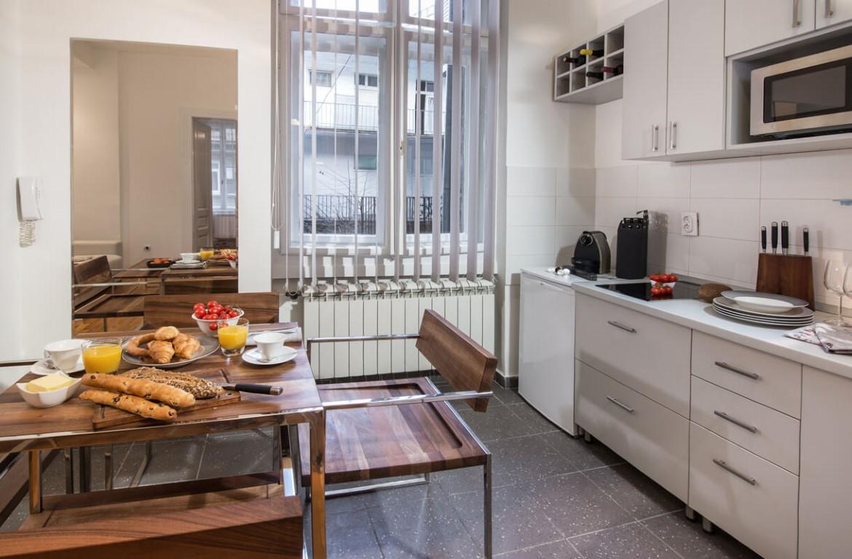 Apartmani Beograd | Pešačka zona | Apartman A12 - Kuhinja i trpezarija