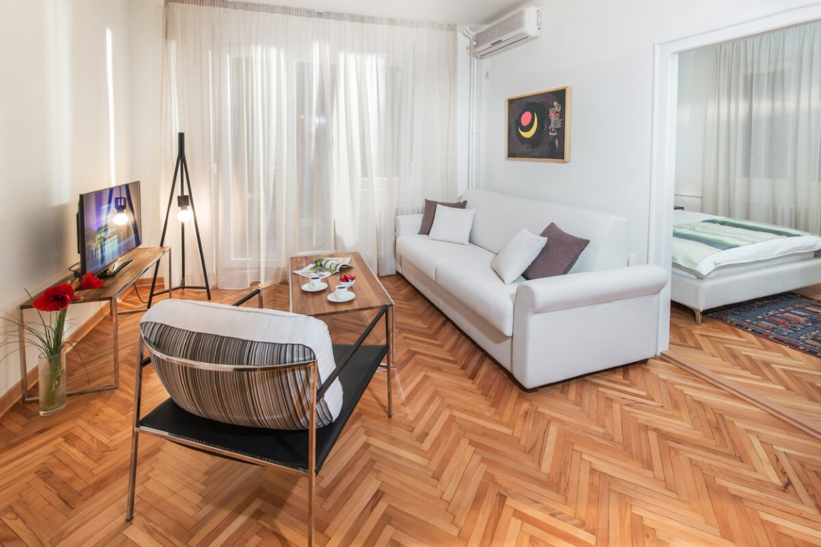 Apartmani Beograd | Smeštaj | Apartman A28 - Dnevni boravak sa pogledom na spavaću sobu