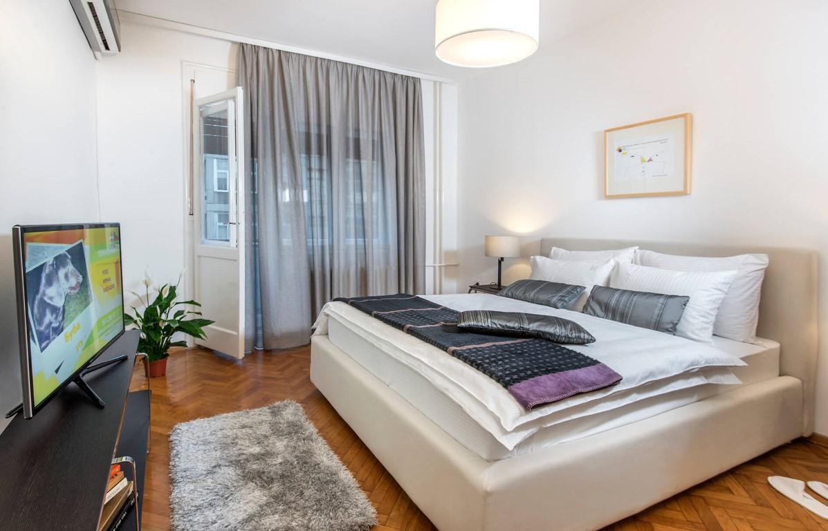 Apartmani Beograd | Stan na dan u Beogradu | Apartman A27 - Spavaća soba sa pogledom na terasu