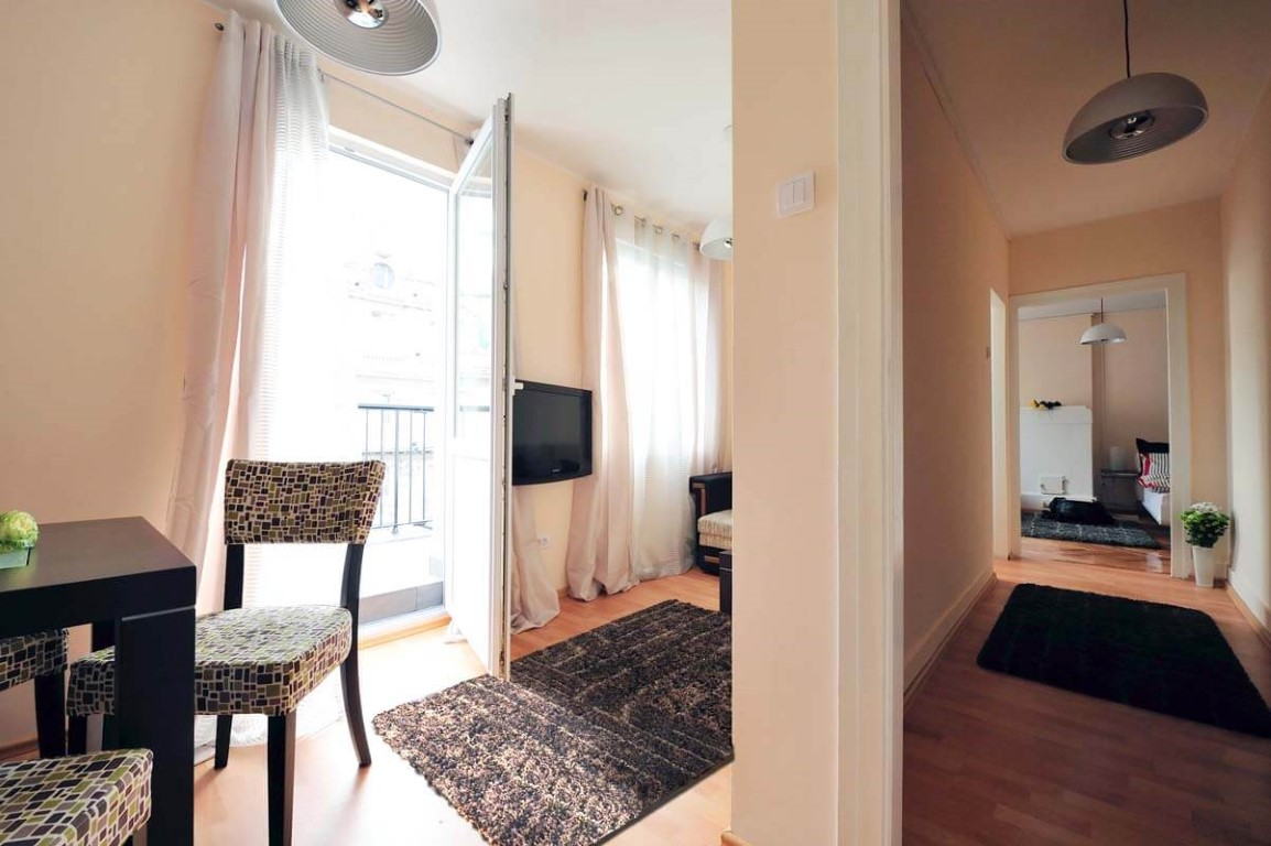 Apartmani Beograd   Apartman A43   Strogi centar - Pogled na trpezariju i hodnik