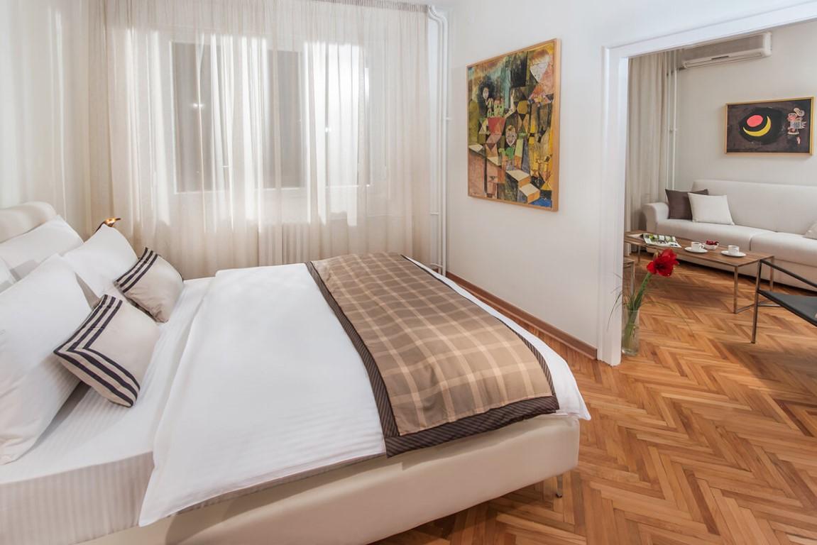 Apartmani Beograd | Smeštaj | Apartman A28 - Spavaća soba sa pogledom na dnevni boravak